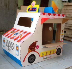 Thùng giấy carton làm đồ chơi cho bé